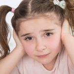 признаки серной пробки в ухе